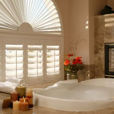San Jose bathroom plantation shutters.