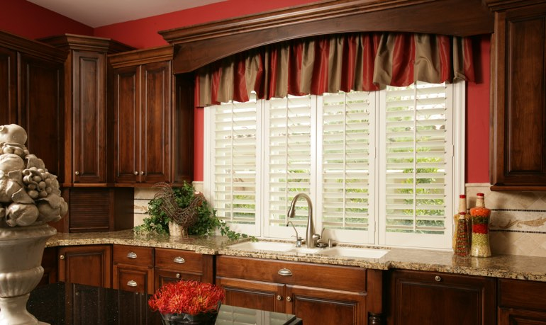 San Jose kitchen shutter and cornice valance