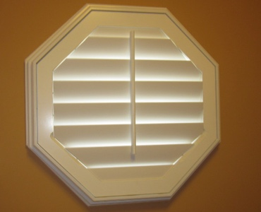 San Jose octagon window shutter